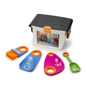 scatola con piccoli attrezzi