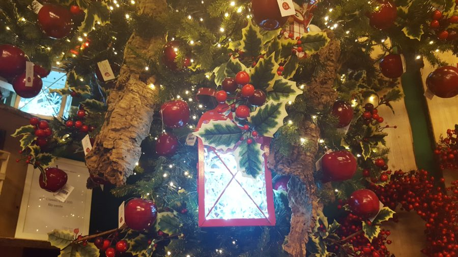 L'idea: lanterne illuminate sull'albero di Natale