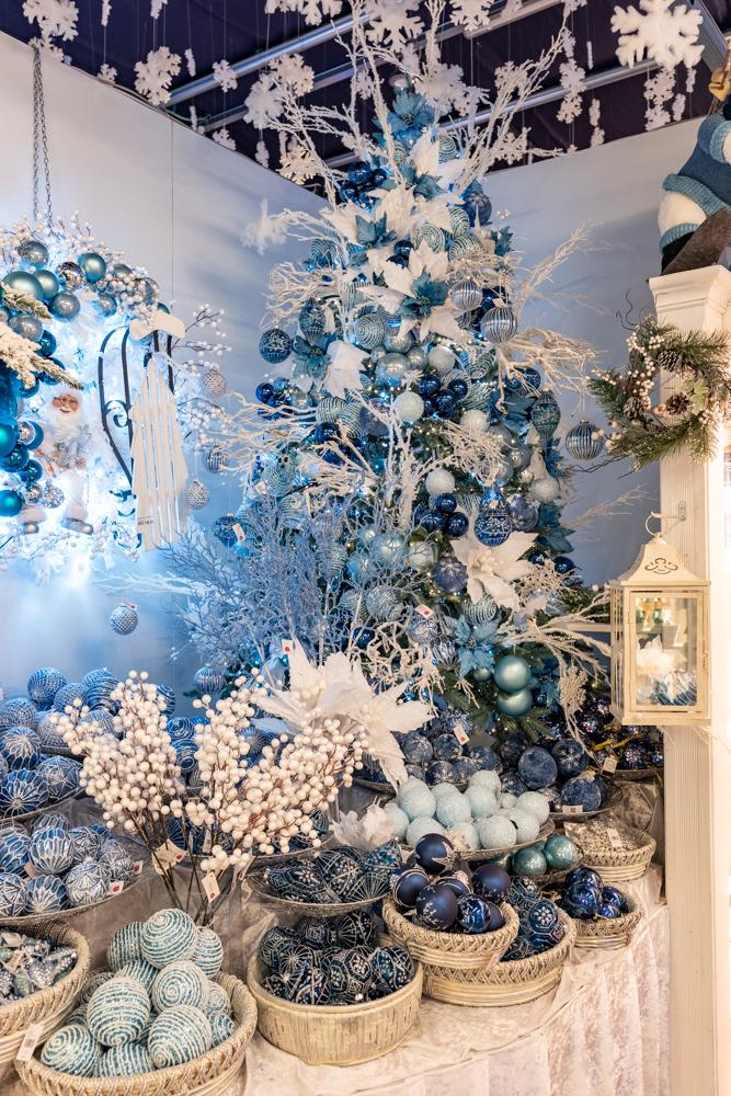 Albero Di Natale Argento E Blu.I Colori Freddi Per Le Feste L Albero Di Natale Blu Natale Agribrianza